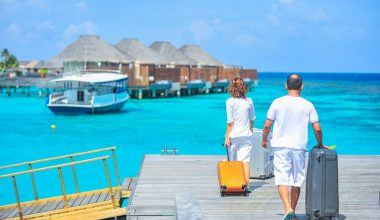 10 Pros and Cons of Tourism