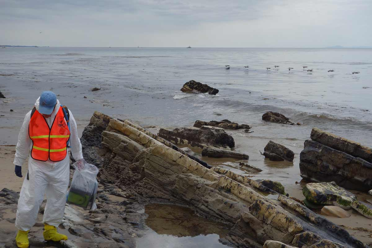 Effects of Oil Spills being Measured at the Shore